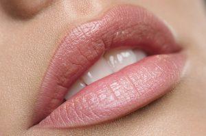 Maquillage permanent bouche après