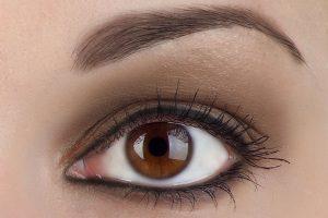 Maquillage permanent des sourcils après