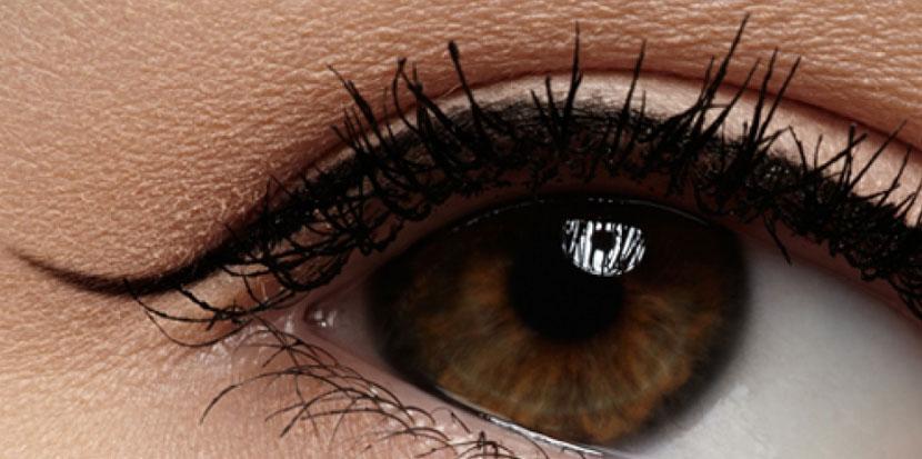 Tatouage eye-liner
